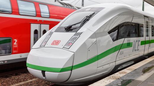 Deutsche Bahn ICE grüner Streifen