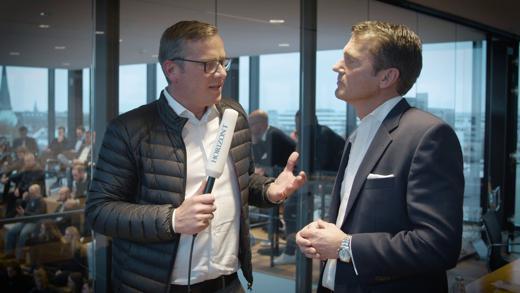 HORIZONT-Videoreporter Mirko Kaminski mit Jan Toschka, Geschäftsführer Retail bei Shell