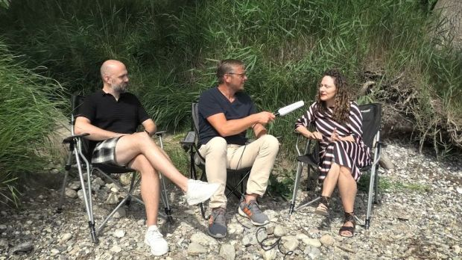 HORIZONT-Videoreporter Mirko Kaminski im Gespräch mit Julia Peglow und Marco Peters von Alice & Bob