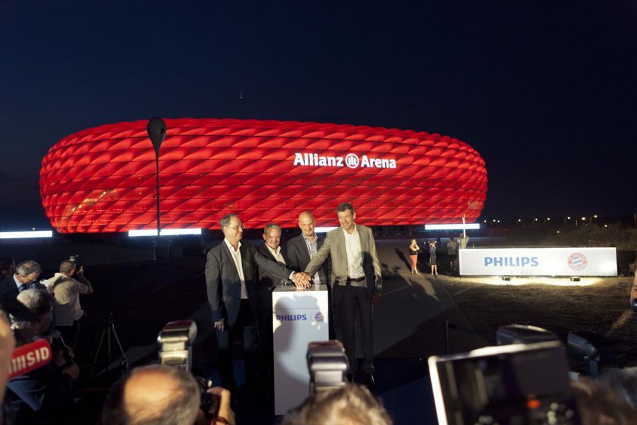 Bayern München: Wie Philips die Allianz Arena in einen Lichttempel ...