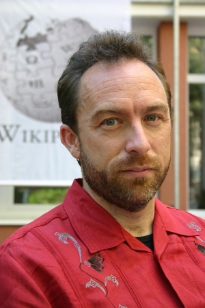 Auch Jimmy Wales spricht in Cannes (Bild: Wikimedia/Andrew Lih)