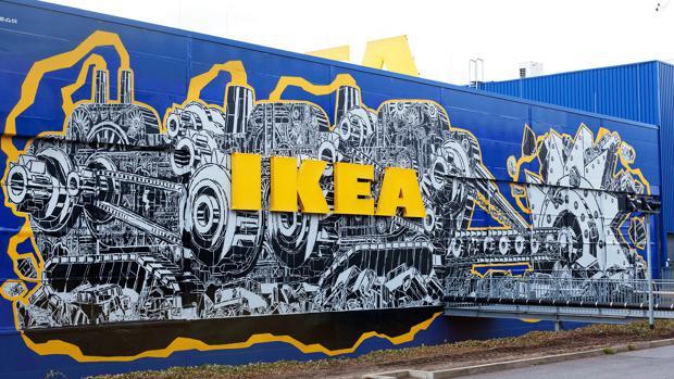 street art wie razorfish eine berliner ikea filiale in ein graffiti paradies verwandelt. Black Bedroom Furniture Sets. Home Design Ideas