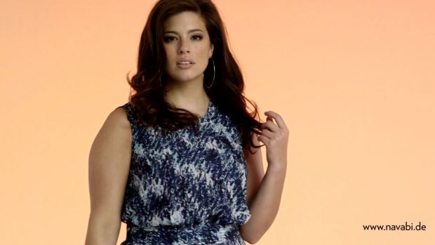 Plus-Size-Topmodel Ashley Graham im Navabi-Spot