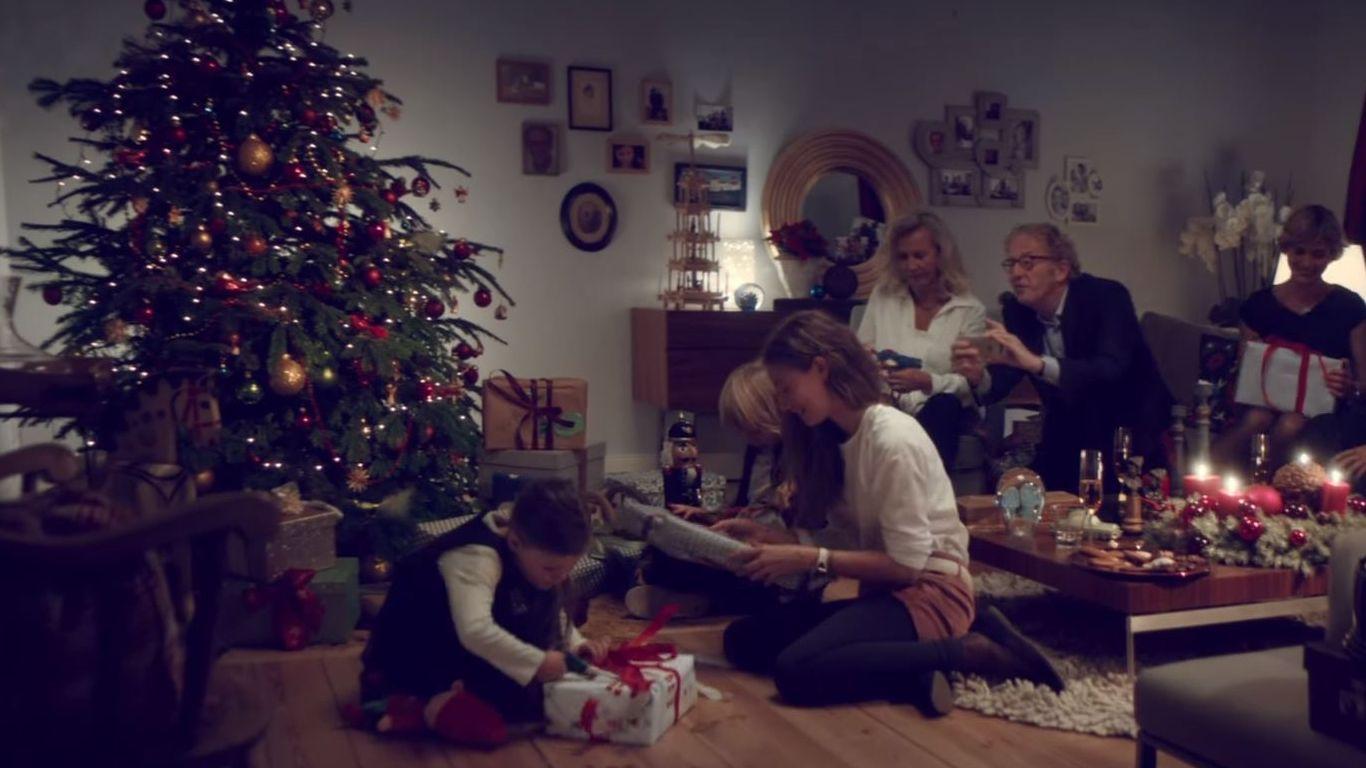 geld gutscheine parf m was zu weihnachten unter. Black Bedroom Furniture Sets. Home Design Ideas