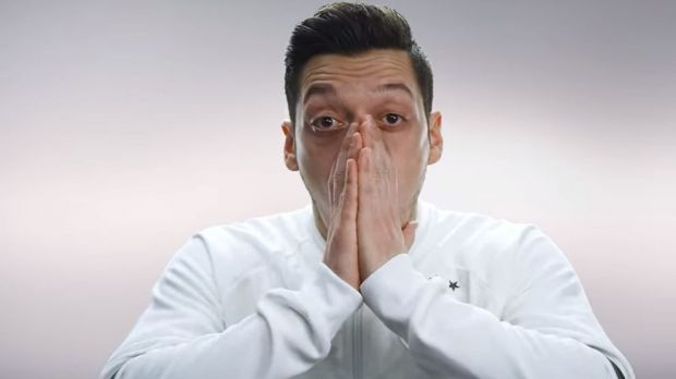 "Mesut Özil ist einer der Stars der ""First Never Follows""-Kampagne"