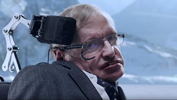 Stephen Hawking darf in dem neuen Jaguar-Spot endlich einen Bösewicht spielen