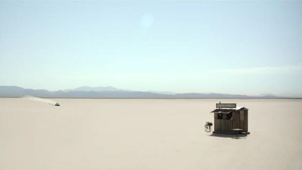 Phänomenaler Emmy Spot Audi Und Airbnb Schicken Markenfans In Die Wüste