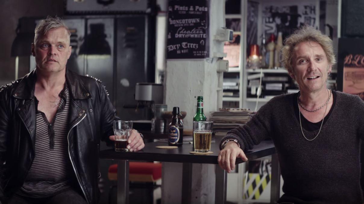 Geil Angepasst Thjnk Und Ikea Lassen Zwei Alt Punks Fur Kuchensystem Trommeln