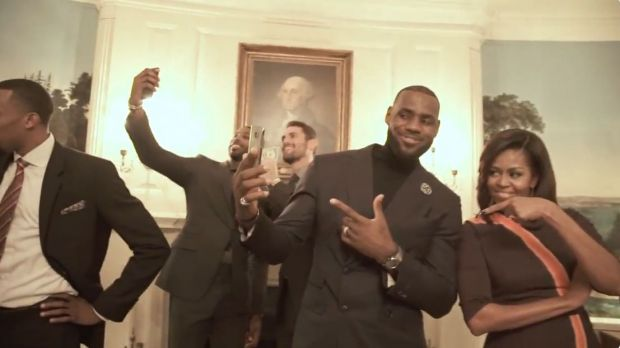 Mannequin Challenge mit Basketballer LeBron James und First Lady Michelle Obama