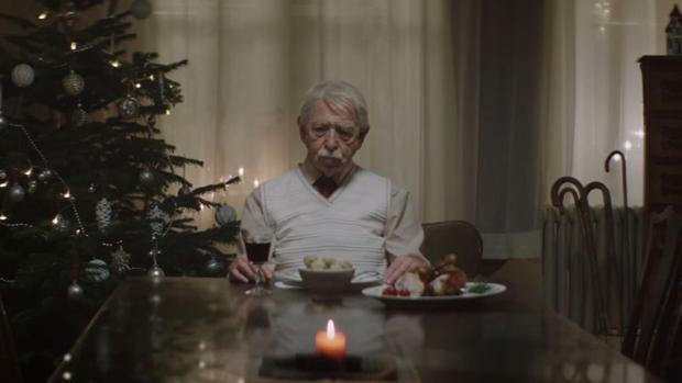 19 13 real wirbt zu weihnachten mit seitenhieb auf edeka. Black Bedroom Furniture Sets. Home Design Ideas