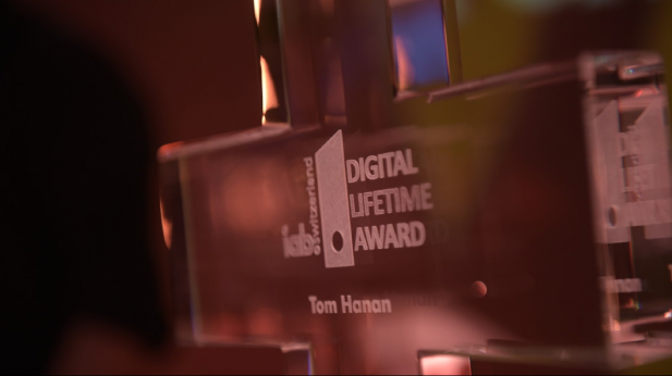 """And the winner is….Tom Hanan, Gründer der Digitalagentur Webrepublic."""