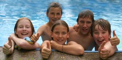 Branche: Familie und Freunde machen Kinder glücklich