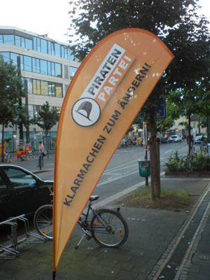 Guerilla-Aktion der Piratenpartei in Düsseldorf