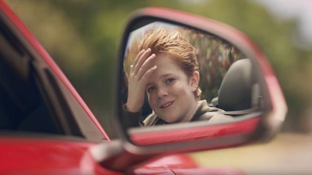 Ford Wie Eine Fahrt Im Mustang Den Friseurbesuch Ersetzt