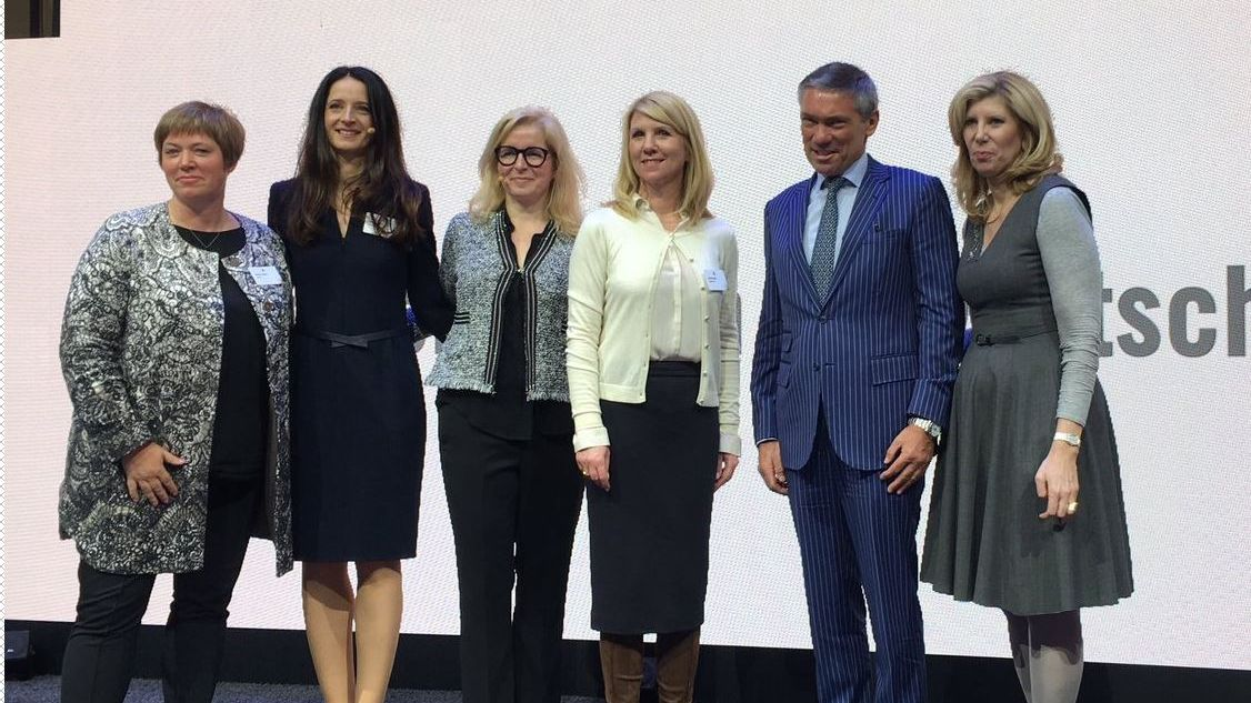 Katharina Höhne, Corporate Officer und SVP bei Shiseido, Marianne Heiß, CFO BBDO Group Germany, Victoria Wagner, CEO Ketchum Germany, Antje Neubauer, Marketingleiterin Deutsche Bahn, Andrew Robertson, CEO BBDO Worldwide, und Barri Rafferty, President Ketchum (v.l.n.r.)