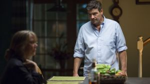Familienoberhäupter am Abgrund: John Rayburn (Kyle Chandler) und seine Mutter Sally (Sissy Spacek)