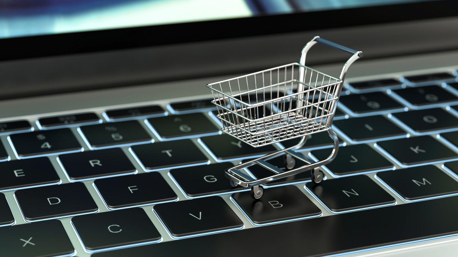 Dieses Buch präsentiert Entwicklungen und Zukunftstrends im E-Commerce, der durch die neuen digitalen Kommunikations- und Konsummuster der Kunden geprägt ist. Gerrit Heinemann beleuchtet E-Commerce-Geschäftsmodelle, Kanalexzellenz sowie Erfolgsfaktoren wie digitale Zeitvorteile und.