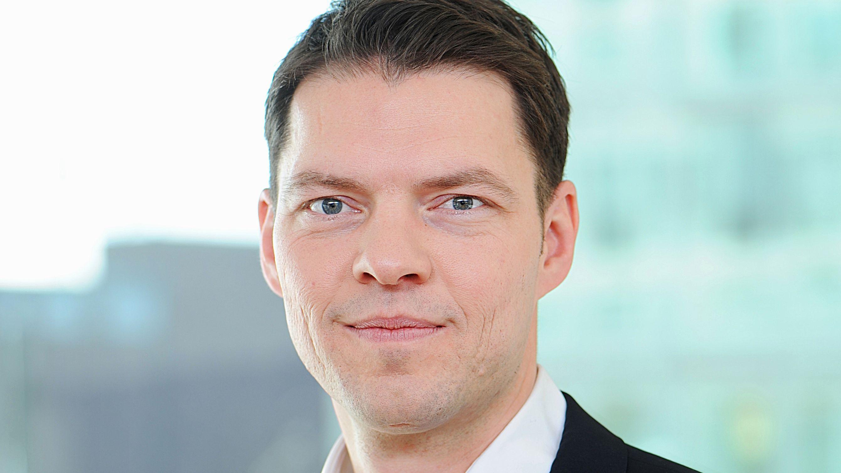 Frankfurter allgemeine zeitung spiegel manager stefan for Zeitung spiegel