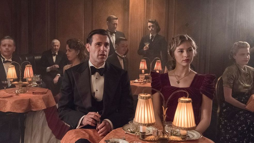 "Die Dramaserie ""The Halcyon"" läuft ab Januar bei EntertainTV"