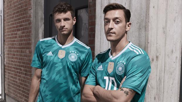 DFB-Team präsentiert gegen Spanien neues Auswärtstrikot