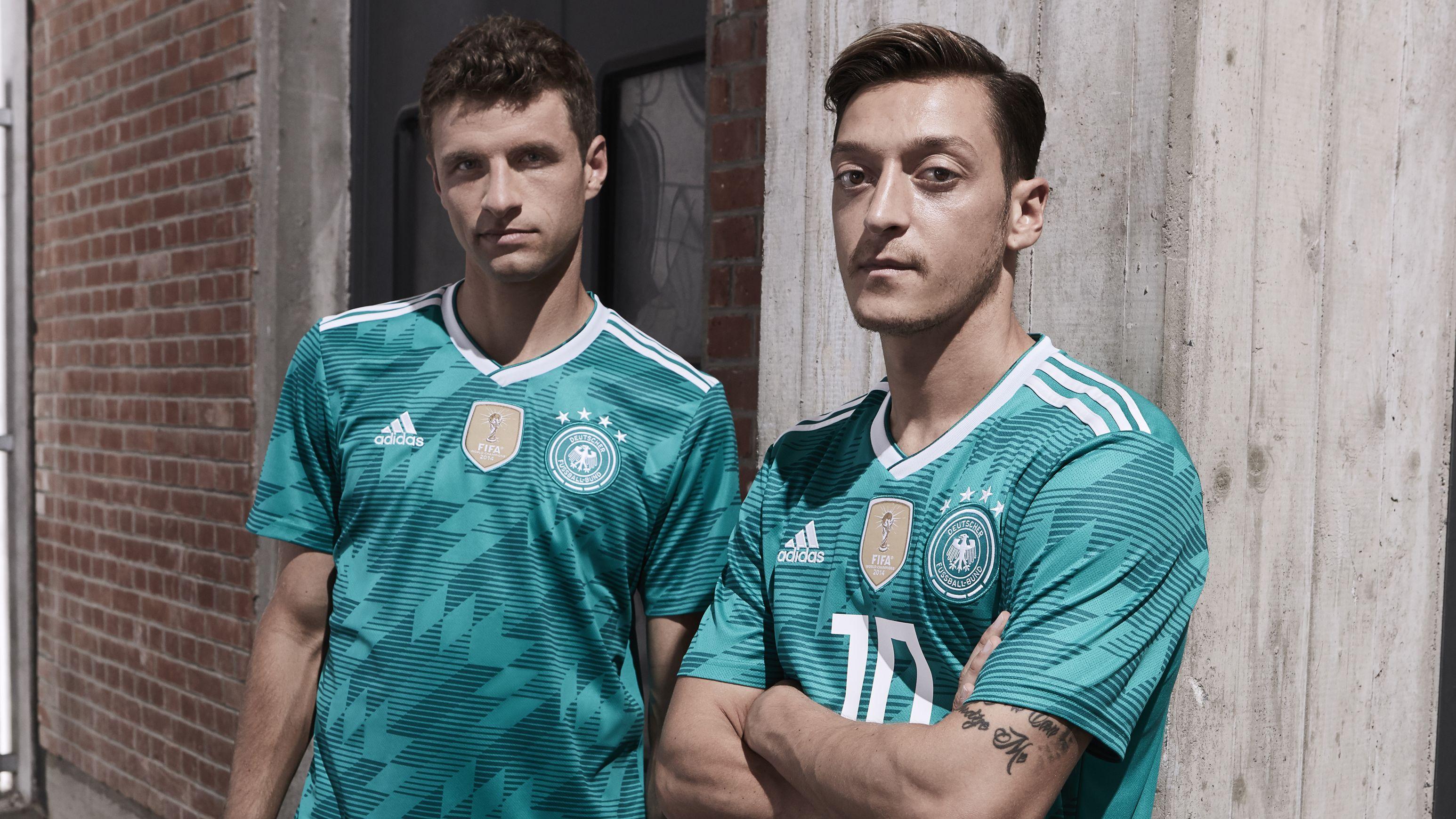 Fussball Wm Adidas Prasentiert Das Auswartstrikot Der