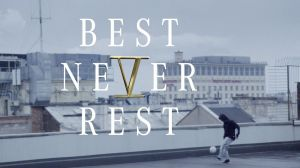 "Das Kampagnenmotto von Mercedes-Benz lautet ""Best Never Rest"""