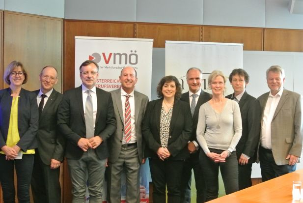 Bettina Klumpe (ADM), Kai Bruns (Lilly), Holger Mühlbauer (Teletrust), Robert Sobotka (vmö), Rita Kite (GfK) Mag. Deutsch (Wirtschaftskammer), Alexandra Wachenfeld-Schell (DGOF), Jörg Tschasche (respondi), Hartmut Scheffler (Kantar TNS)