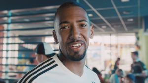 Nationalspieler Jerome Boateng hat in dem Spot das Schlusswort