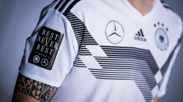 Mercedes Adidas Und Co So Reagieren Die Dfb Sponsoren Auf