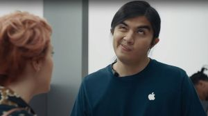 Samsung Spot Apple