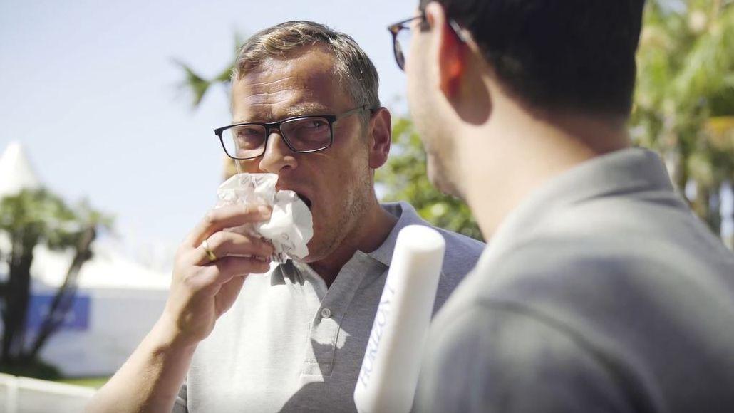 Mit Kaminski in Cannes: Dieses Interview mit Burger King dauert genau eine Burgerlänge