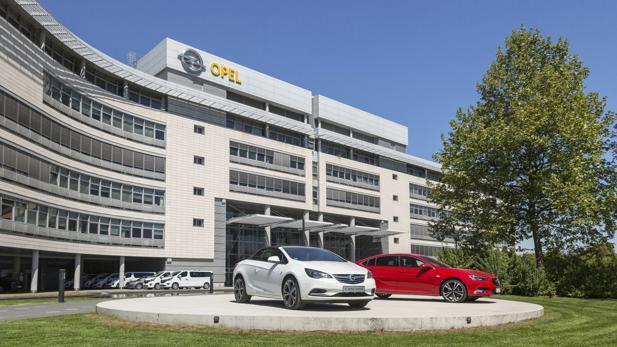 Auto - Opel-Mutter PSA holt Konzernmarken nach Rüsselsheim