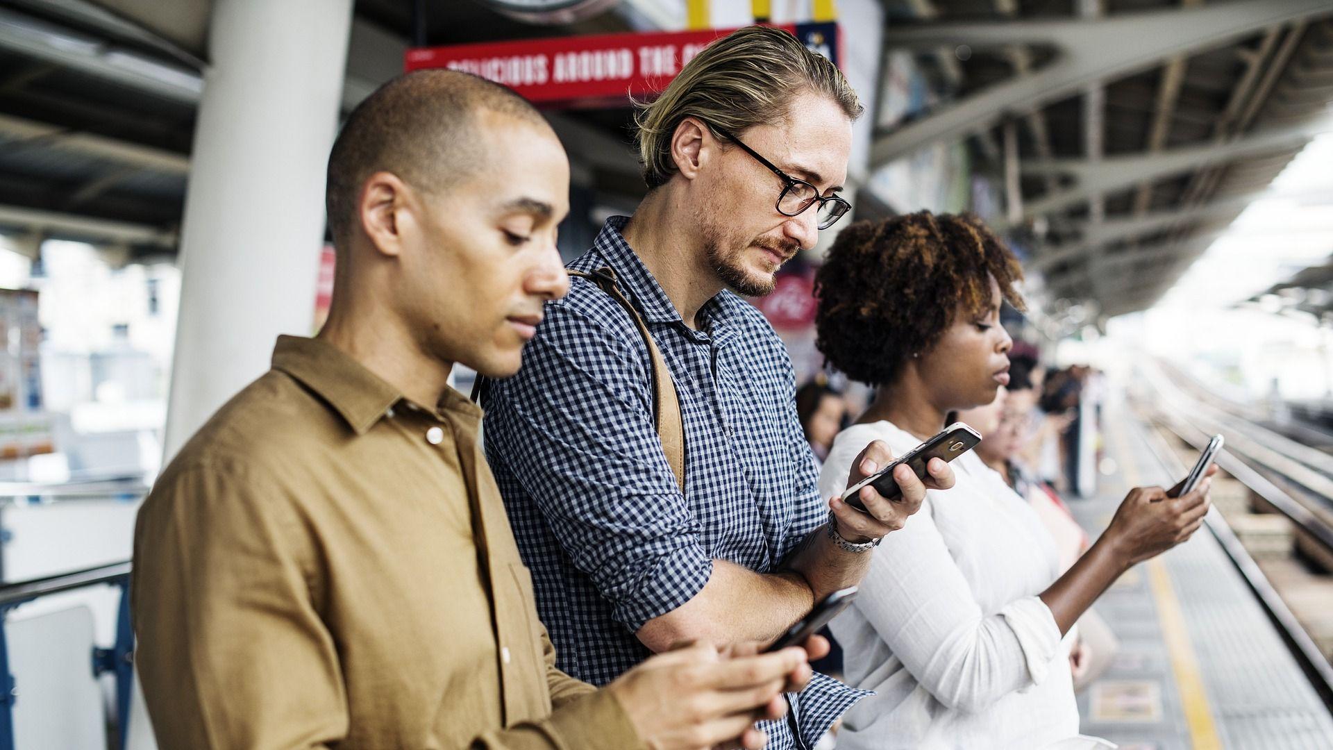 Mindline-Umfrage: Nutzer sind von mobiler Werbung genervt
