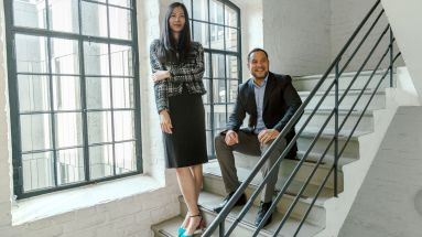 Fiona Kao, neue Chefin China Brand Practice bei Ogilvy, und Chief Delivery Officer Simon Usifo