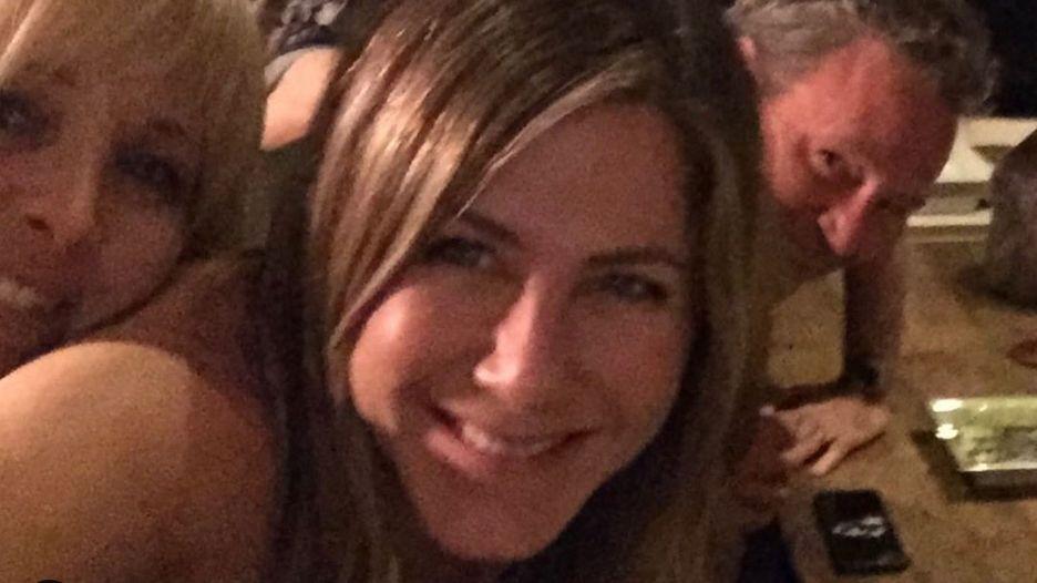 """Neuer Account: Jennifer Aniston legt mit """"Friends""""-Selfie Instagram zeitweise lahm"""