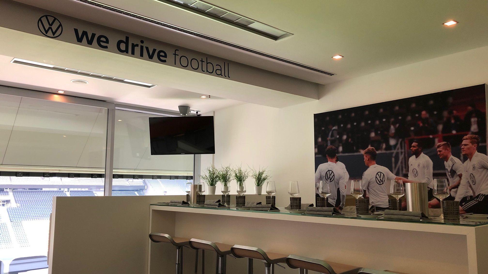 Fußball-Etat: Lagardère Plus kommt groß mit VW ins Geschäft