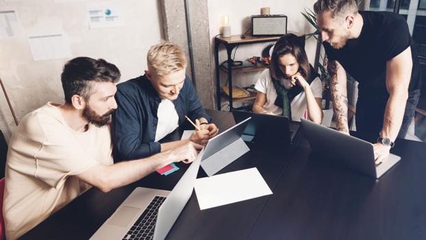 Kreativität und Technologie: Wie sich die Werbebranche bis 2030 verändern muss