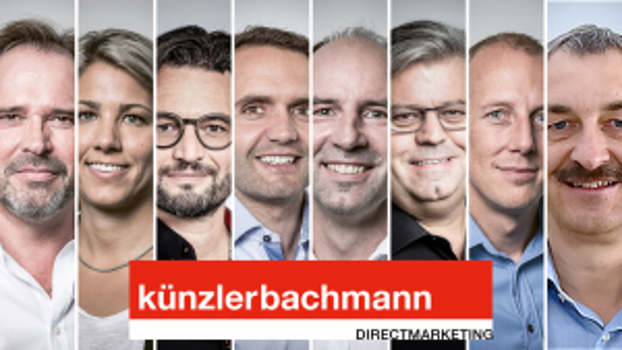 Die Familienvorsteher der künzlerbachmanns mit neuem Wappen