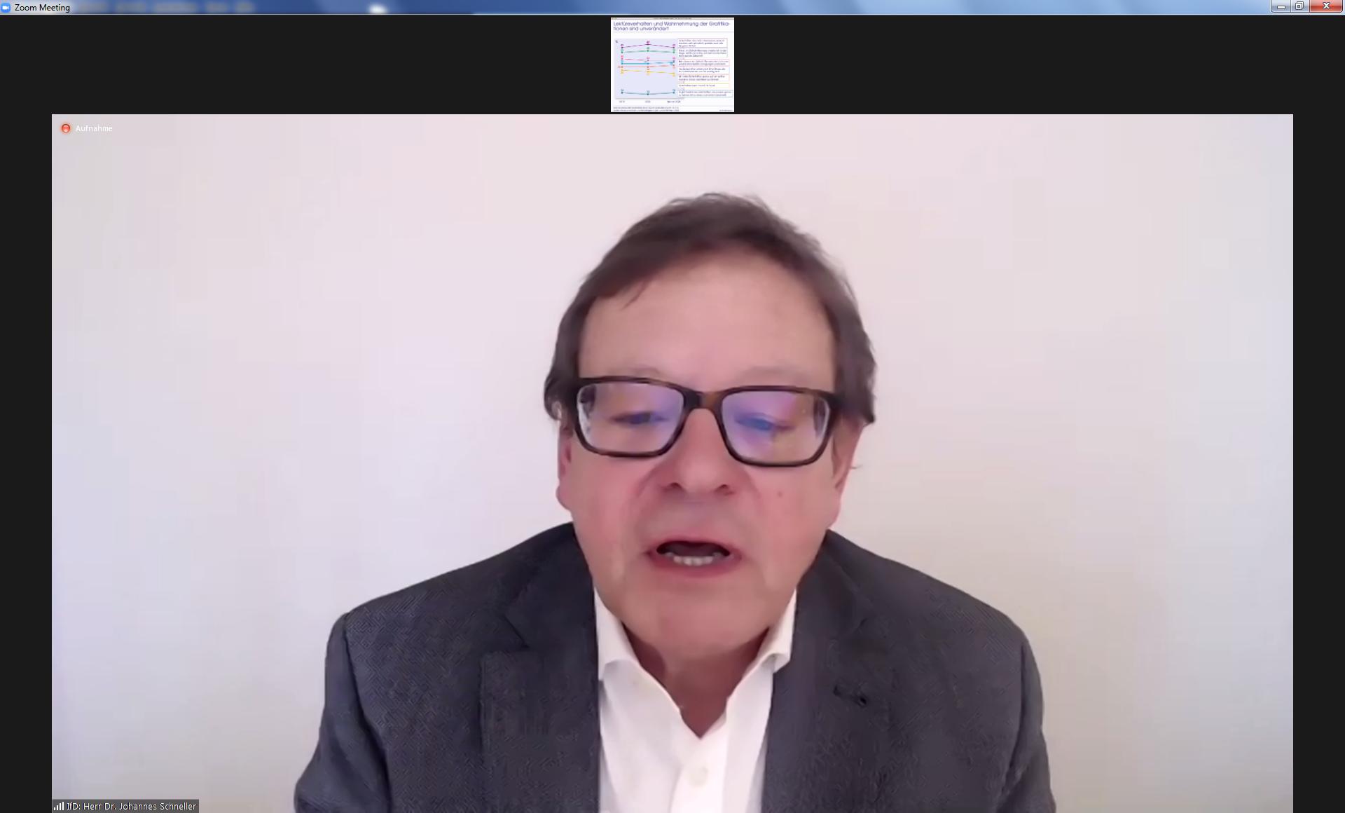 Allensbach-Forscher Johannes Schneller bei der digitalen Studienpräsentation
