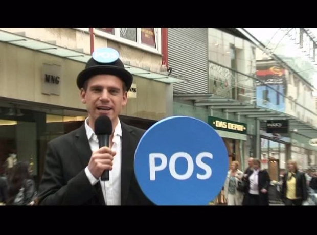 "Am ""Point of Street"": HORIZONT-TV-Reporter Aljoscha Höhn"