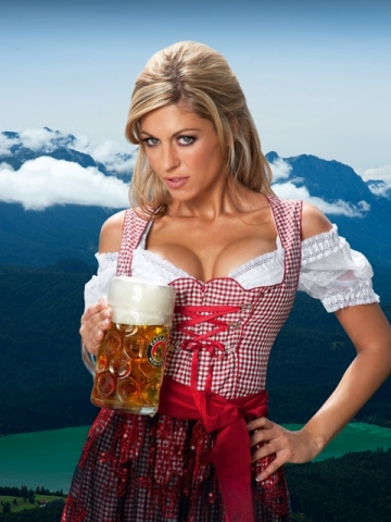 O'zapft is: Wiesn-Playmate Julia Schober