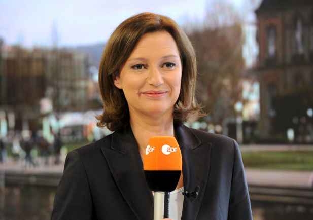 netzgemeinde spottet ber wulff interviewerin bettina schausten - Bettina Wulff Lebenslauf