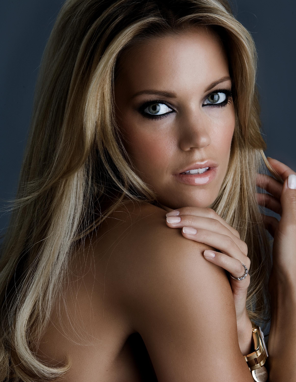 Sylvie van der vaart nude foto 13