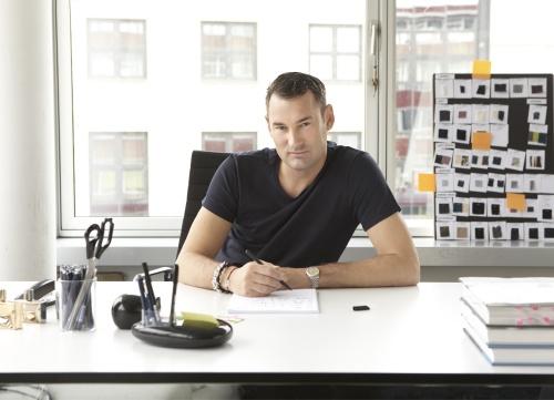Sexy im b ro modestar michael michalsky designt f r 3m for Schreibtisch 3 meter lang