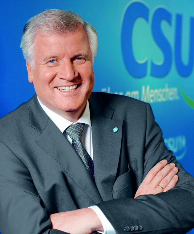 """""""Die müssen raus aus Bayern"""": Horst Seehofer verärgert ..."""