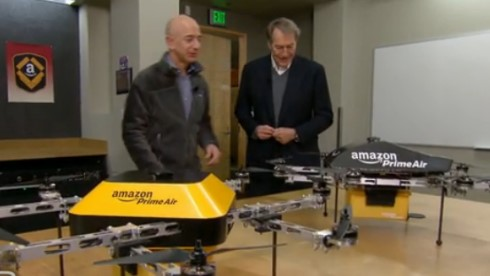 "Jeff Bezos stellt CBS-Mann Charlie Rose ""Prime Air"" vor (Bild: Screenshot cbsnews.com)"