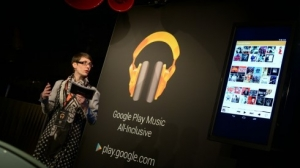 "Produktmanagerin Sara Hecht stellte Google Play Music ""All Inclusive"" vor (Bild: Google)"