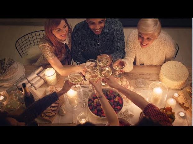 Aldi Werbung Weihnachten Kühlschrank : Amazon zalando co bis wann sie für weihnachten online