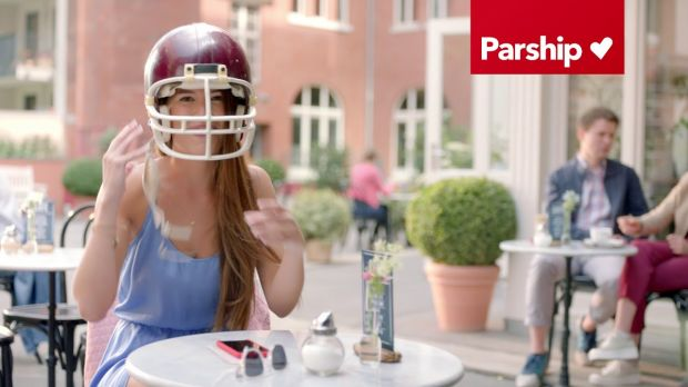 Parship - Parship Super Bowl Spot - Catch: der TV-Spot
