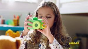 "Kampagne: Yello TV-Spot Strom Extra ""Fotografin"""